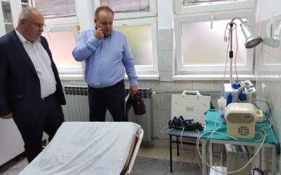 Нови дефибрилатор за Дом здравља Теслић